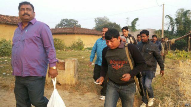 बिहार: ज़मीन से निकले 2 करोड़ रुपये