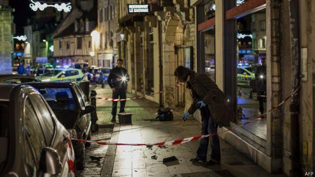 """На пешеходов во Франции наехали с криком """"Аллах акбар"""""""