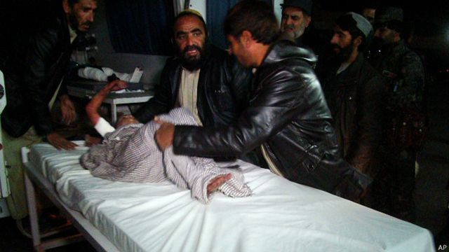 Afganistán: al menos 15 muertos por explosión en boda