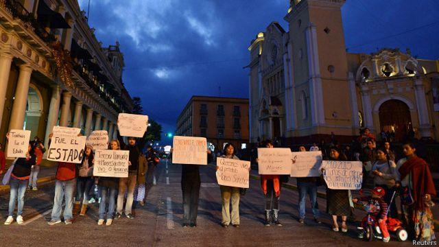 Arrestan a 13 policías en relación al secuestro de periodista en México