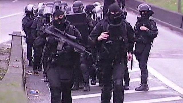 Спецоперация по освобождению заложников на востоке Парижа