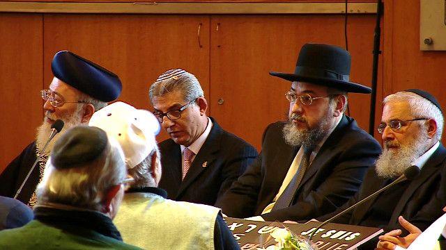 مجموعة من اليهود الاسرائيليين في بلدية القدس