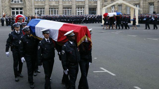 Tang lễ cho các nhân viên cảnh sát bị giết hại trong vụ tấn công tại Paris