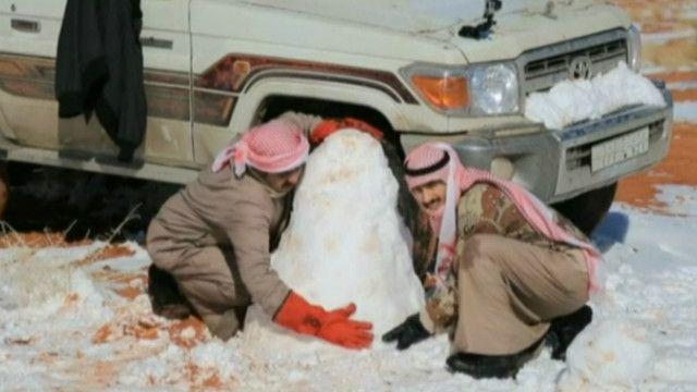 Tuyết rơi nhiều ở một số vùng của Ả Rập Saudi