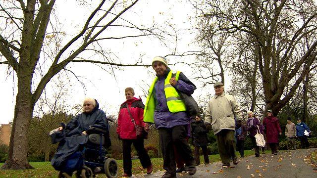 مواطنون اوروبيون يمارسون رياضة السير