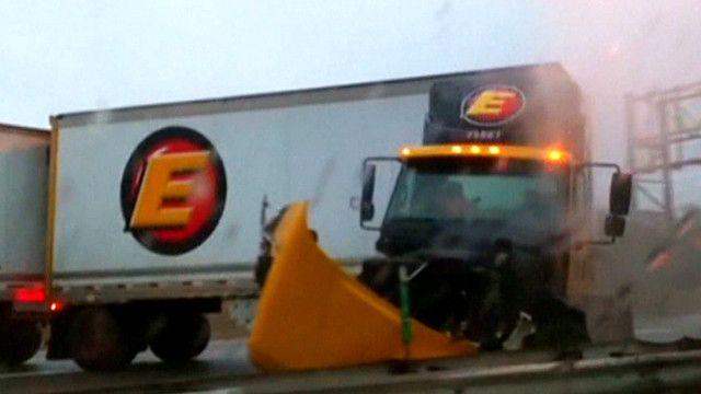 Camión que se deslizó en una autopista en Nueva Jersey