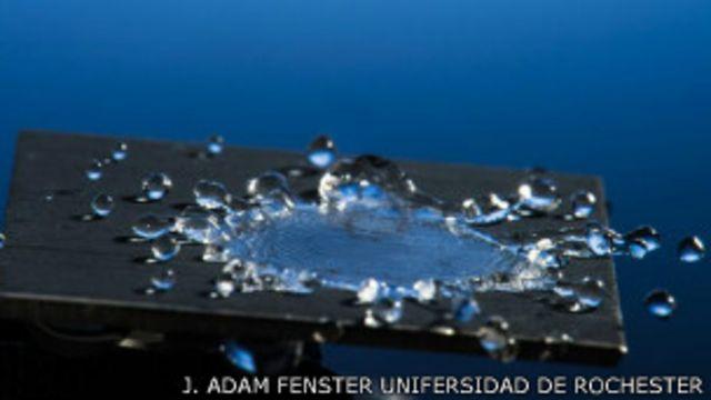 El metal que hace rebotar las gotas de agua