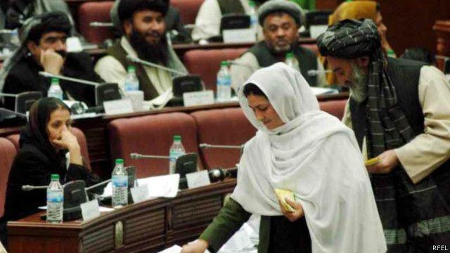 مجلس افغانستان صلاحیت ۹ عضو کابینه را تایید کرد