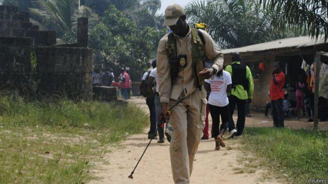 Ebola: vacinas experimentais são enviadas à Libéria