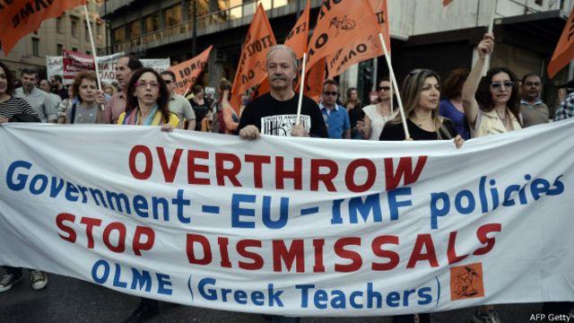 Grécia: eleitores decidem 'se ficam ou se vão'