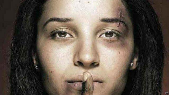 """""""Si puta es ser libre..."""", la polémica campaña contra el feminicidio en Ecuador"""