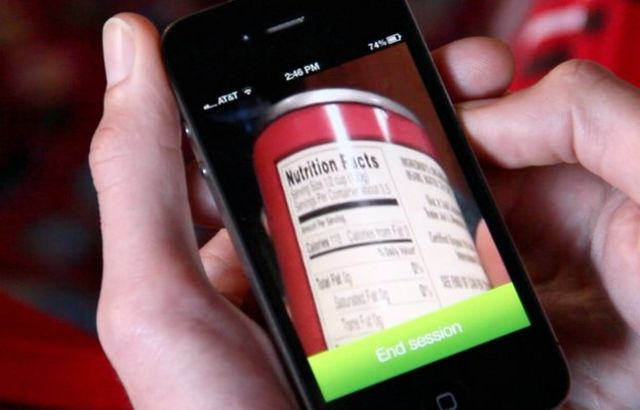 Aplicativo de celular 'lê' mundo para deficientes visuais com ajuda de voluntários