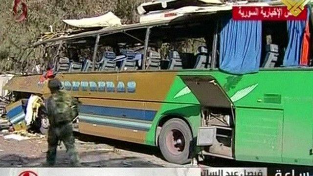 اثار الانفجار على الحافلة في دمشق