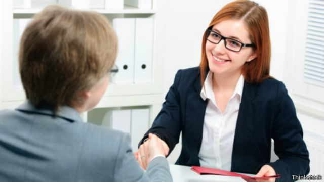 لغة الجسد طريقك للنجاح في مقابلات العمل