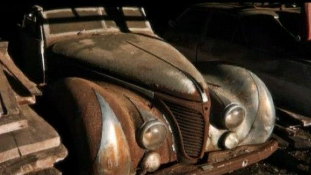 Один из ретро автомобилей