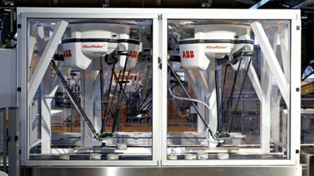 DERGİ - Yiyecek paketleyen robotları işbaşında görmek