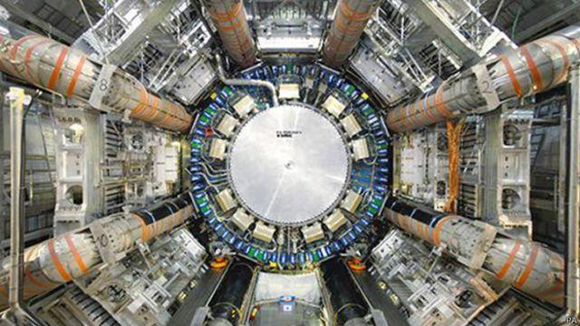 Большой адронный коллайдер усилит поиски темной материи