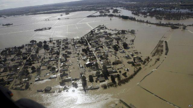 """عدد ضحايا الفيضانات """"يزيد ثلاثة أضعاف"""" بحلول 2030"""