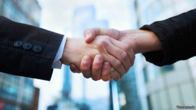 أربع طرق لكسب ثقة الآخرين