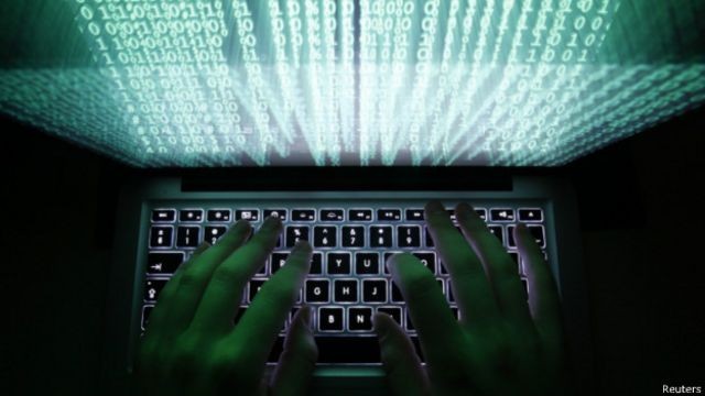 """القضاء الأمريكي يوجه تهماً لثلاثة أشخاص """"سرقوا مليار عنوان بريد إليكتروني"""""""