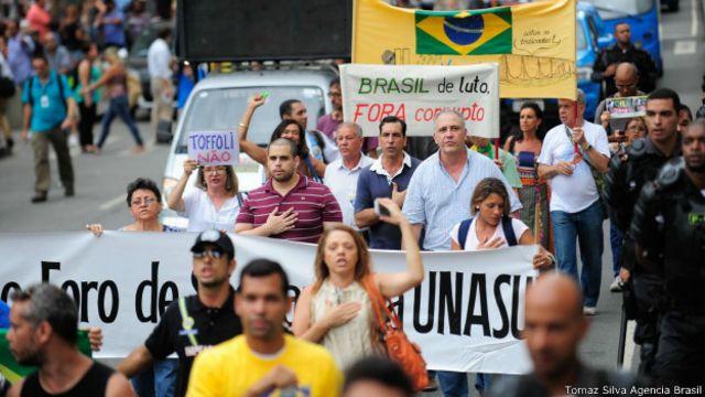 #SalaSocial: Financiamento, remuneração e imagem: a estrutura dos grupos anti-Dilma