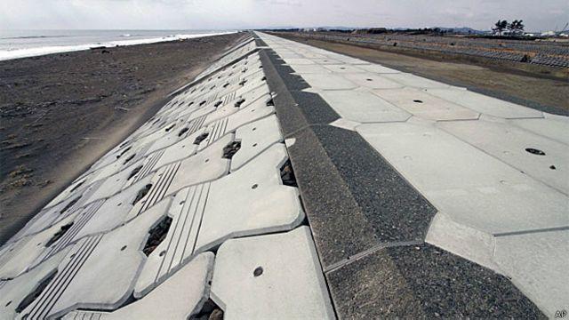 Japão constrói muralha contra tsunamis