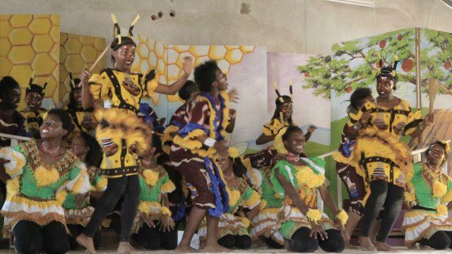 Maelfu ya wanafunzi hukusanyika kuonesha vipaji vyao katika sanaa za utamaduni.