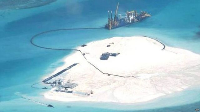 """La """"gran muralla de arena"""" de China que preocupa a Estados Unidos"""