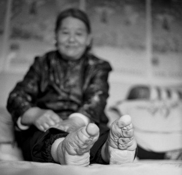 La historia de las últimas mujeres chinas de pies rotos