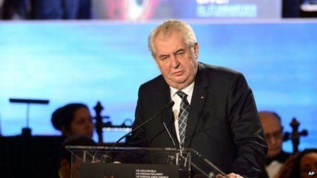 الرئيس التشيكي يقول إن السفير الأمريكي غير مرحب به في القصر الرئاسي