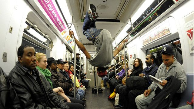 new_york_subway_dancing_