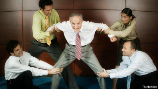 كيف تسد الفجوة بين الأجيال في بيئة العمل؟
