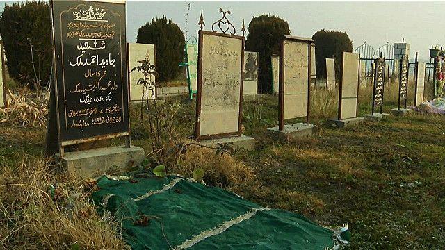 grave_poetry_kashmir