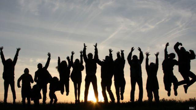 Brasil sobe oito posições em ranking global de felicidade