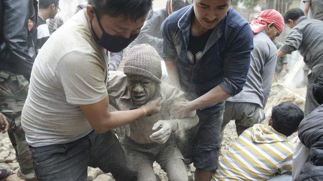नेपाल में आए भूकंप से हुई भारी तबाही
