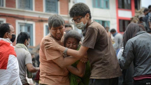 Por que o Nepal é tão vulnerável a terremotos?