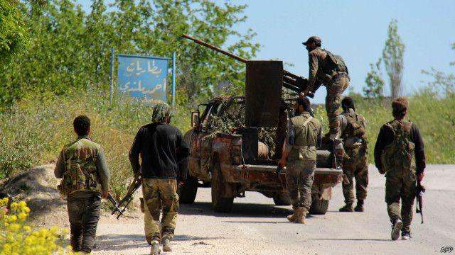 """متشددون """"يسيطرون"""" على معبر حدودي جنوب سوريا"""