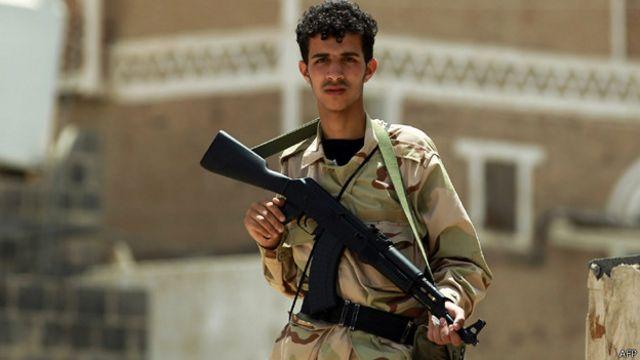"""السعودية """"تصد تعرضا للحوثيين"""" في نجران"""