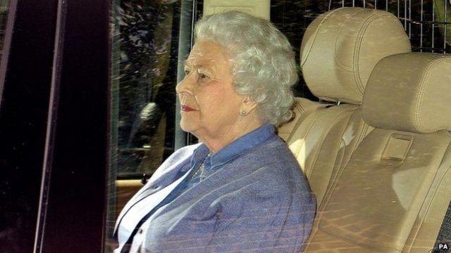 英女王親臨肯辛頓宮探望夏洛特公主