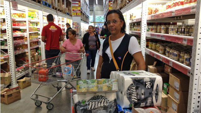 Orçamento apertado: inflação impulsiona 'atacarejos'
