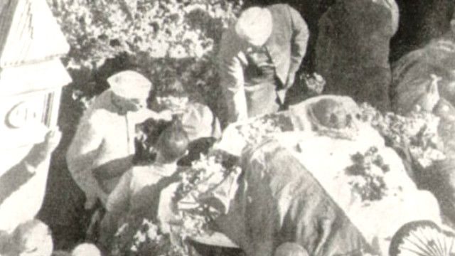 जवाहर लाल नेहरू, महात्मा गांधी