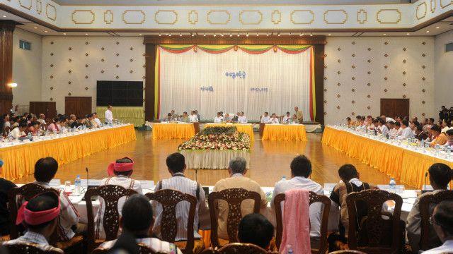 သမ္မတ ဦးသိန်းစိန် နိုင်ငံရေး ပါတီများနဲ့တွေ့ဆုံ