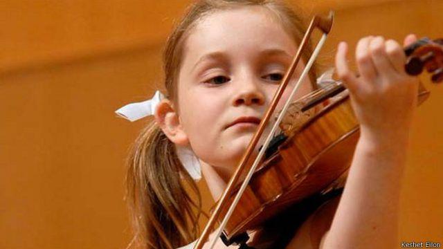 Por que existem crianças prodígios no mundo da música?