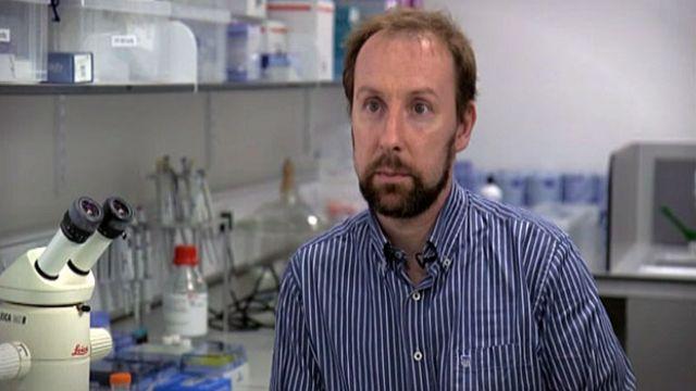 Bisturi inteligente permite precisão na remoção de tumores do cérebro