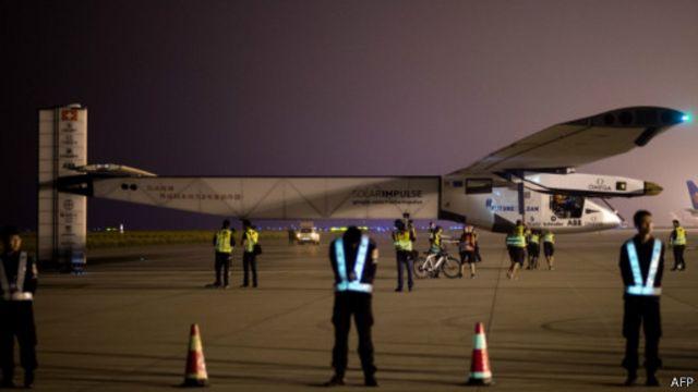 全太陽能飛機離開南京開始跨太平洋飛行
