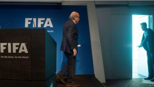 ¿Por qué renunció Sepp Blatter a la FIFA?