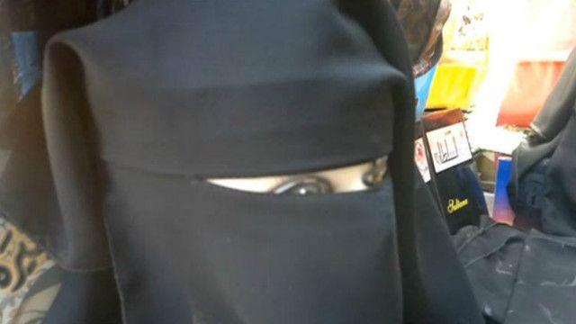BBC imepata video inayoonesha jinsi wanawake wanavyodhalilishwa chini ya utawala wa IS nchini Iraq