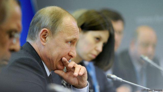 Президент России Владимир Путин на Санкт-Петербургском экономическом форуме. 19 июня 2015 г.