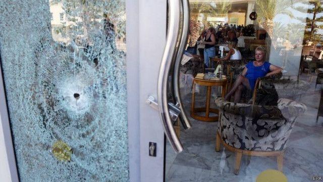 دولت تونس هشتاد مسجد را به دلیل تحریک به خشونتها تعطیل میکند