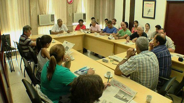 Reunión editorial de Granma